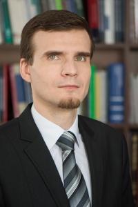 Dr Marcin Olszówka